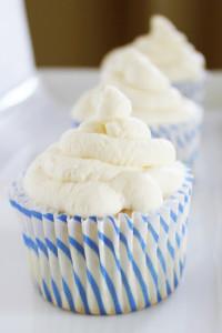 Angel Food Cupcakes   It Bakes Me Happy