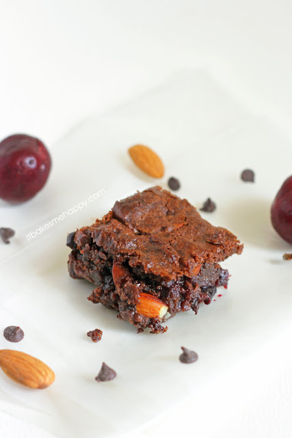 It Bakes Me Happy: Cherry Almond Brownies