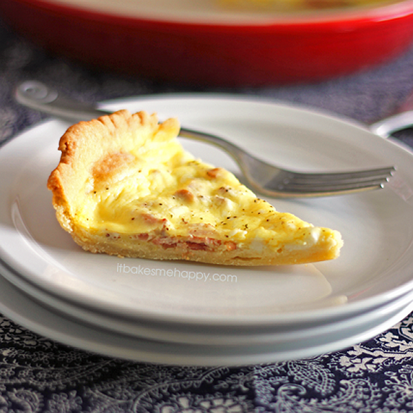 Cheddar Bacon Quiche | It Bakes Me Happy