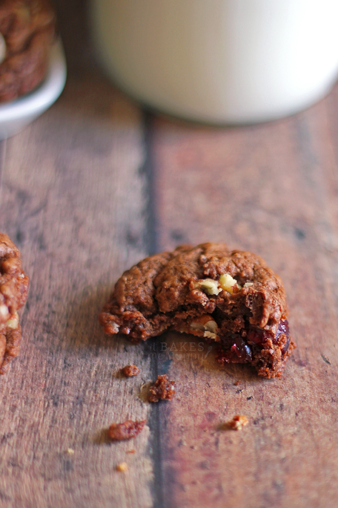 Chocolate Cinnamon Cookies | It Bakes Me Happy