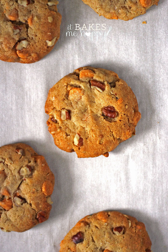Butterscotch Pecan Cookies | It Bakes Me Happy