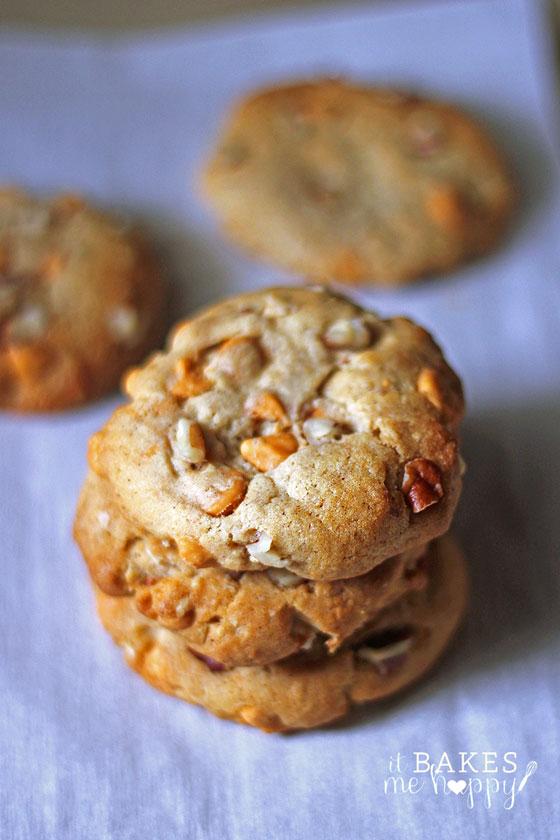 Butterscotch Pecan Cookies | It Bakes Me Happy