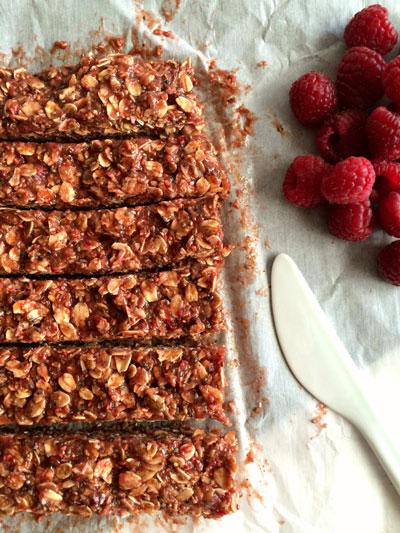 Raspberry-Peanut-Butter-Granola-Bars