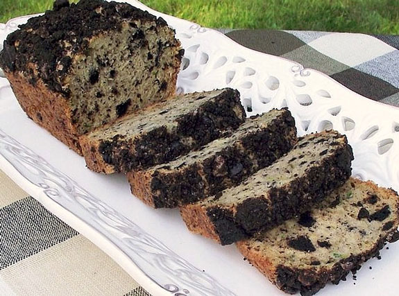 cookies-n-cream-zucchini-bread