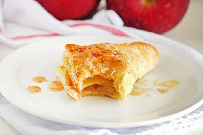 Easy Apple Cinnamon Turnovers It Bakes Me Happy