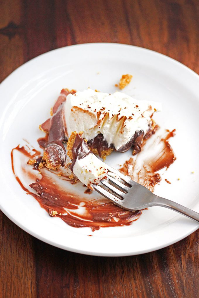 It will be hard to resist a second slice of this easy No Bake S'mores Pie