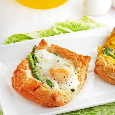 White Cheddar Asparagus Breakfast Tarts #Brunchweek